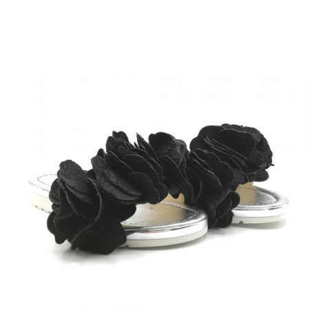Papuci dama din piele naturala cu flori supradimensionate1