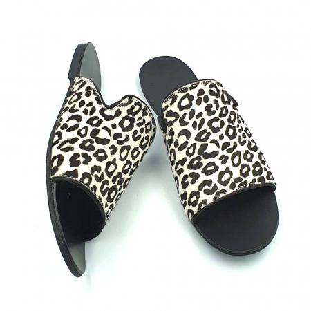 Papuci dama din piele naturala Araya Animal Print1