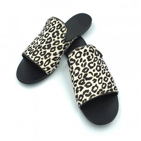 Papuci dama din piele naturala Araya Animal Print3