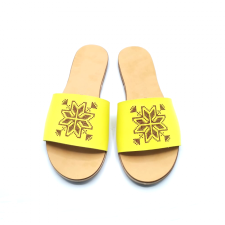 Papuci din piele galbeni cu broderie traditionala maro [1]