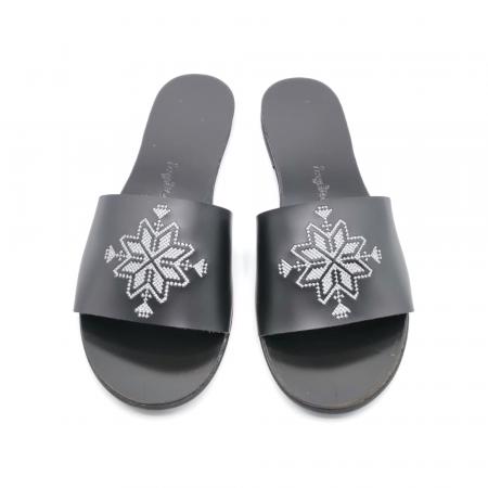 Papuci din piele negri cu broderie traditionala argintie [1]