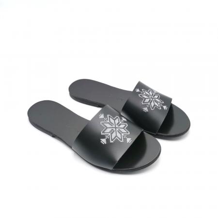 Papuci din piele negri cu broderie traditionala argintie [2]