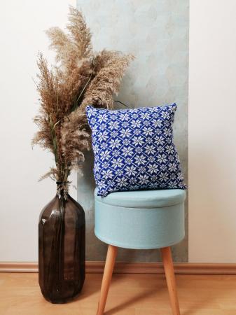 Perna decorativa cu model de iarna albastru0