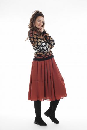 Pulover tricotat negru cu model floral si maneci lungi3