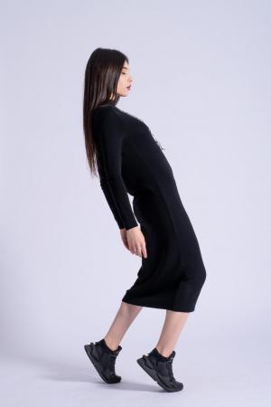 Rochie neagra midi din tricot cu maneci lungi3