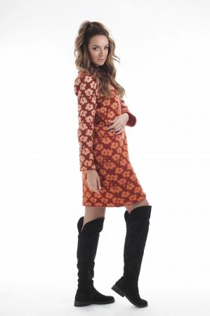Rochie dreapta tricotata caramizie cu model floral2