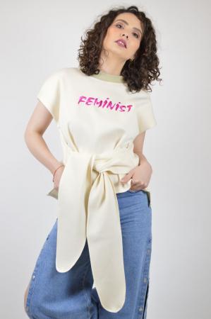 """Tricou bej cu maneca scurta si mesaj """"Feminist"""" [0]"""