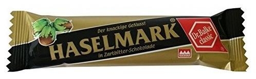 Baton cu alune invelit in ciocolata neagra, 40 g 0