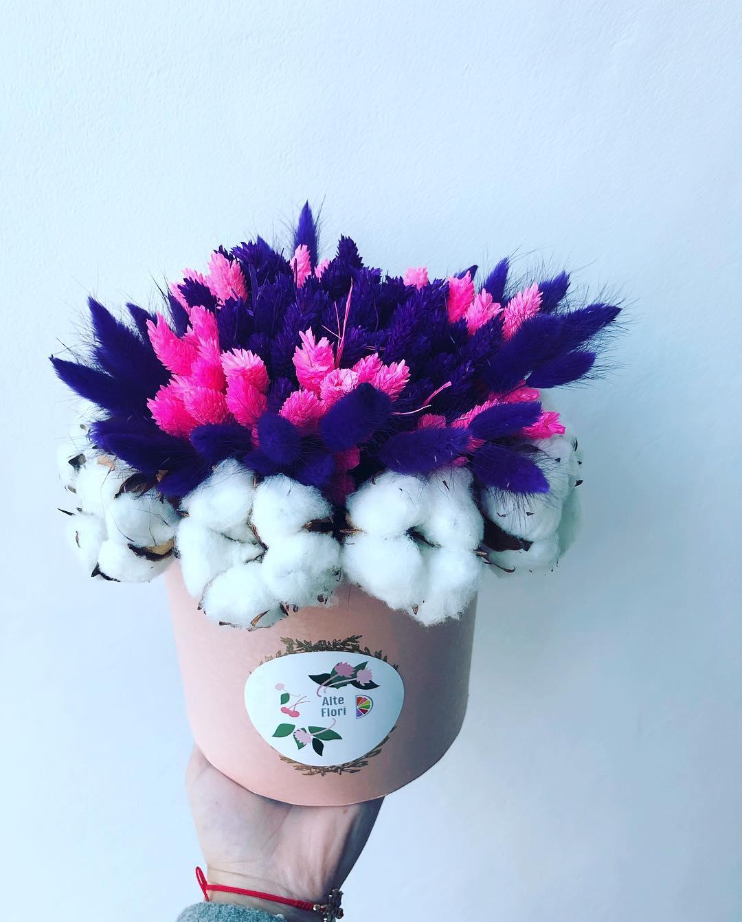 buchet cu flori de bumbac