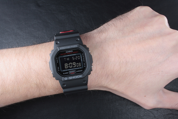Ceas Casio G-Shock DW-5600HR-1ER 6