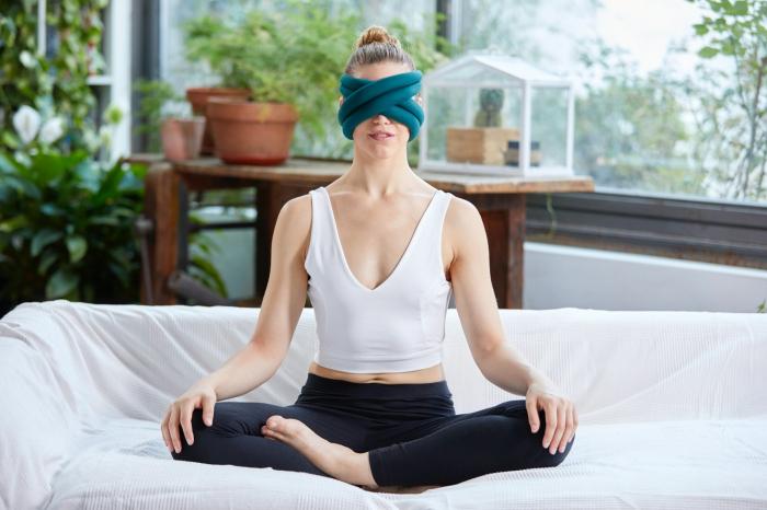 Perna de relaxare pentru ochi Loop Eye Pillow [2]