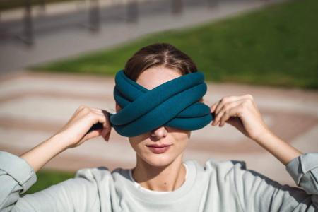 Perna de relaxare pentru ochi Loop Eye Pillow [4]