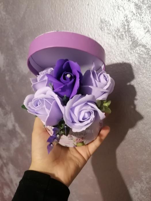 aranjamen 5 trandafiri sapun [2]