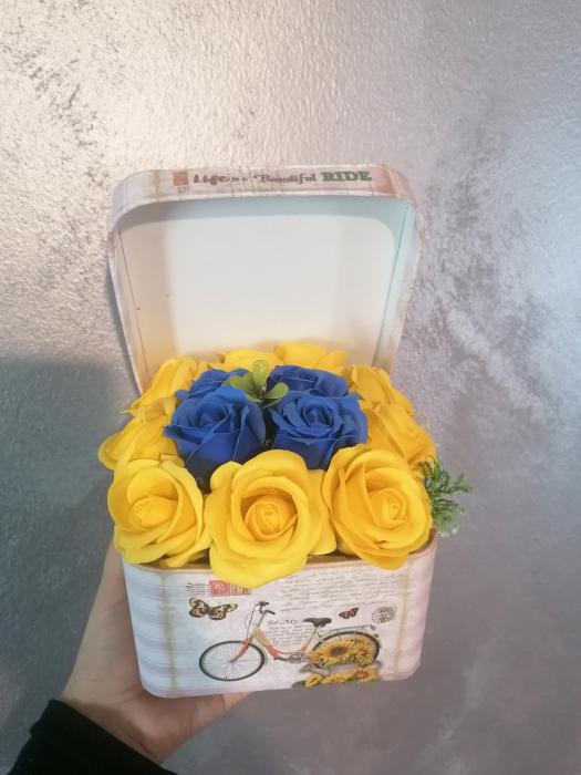 aranjament floral 9 trandafiri [3]