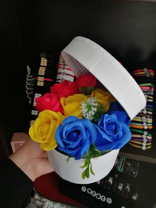 aranjament floral 9 trandafiri [2]