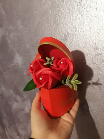 aranjamente 3 trandafiri foita sapun [2]