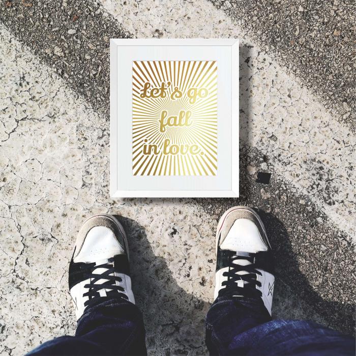 Let's go fall in love, colaj metalic auriu, cadou indragositi 5
