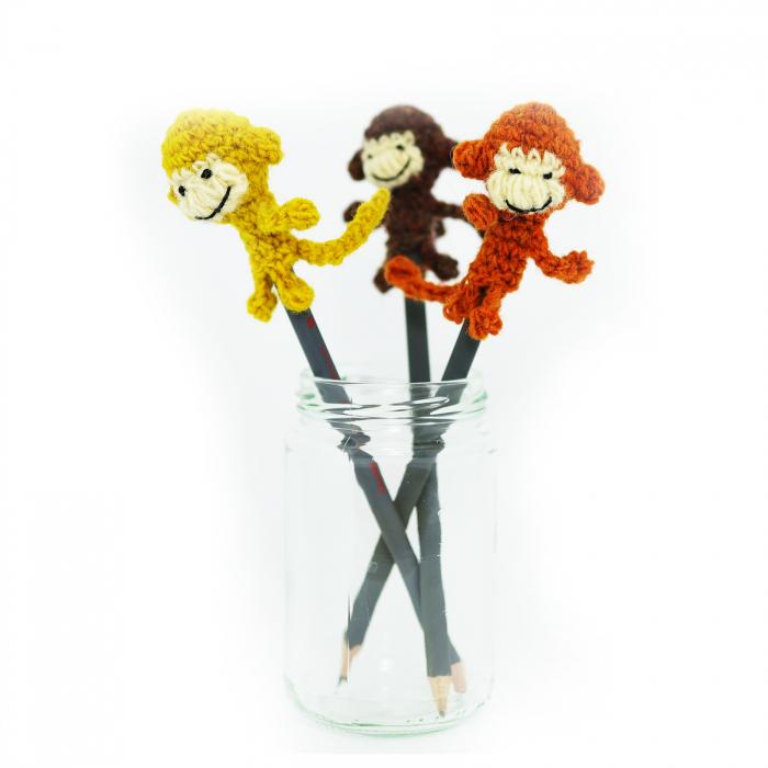 Maimuta, jucarie pe creion 1