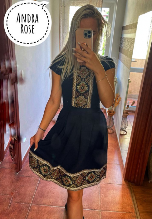 Traditional dress - Black [0]