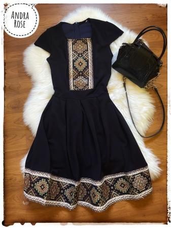 Traditional dress - Black [2]