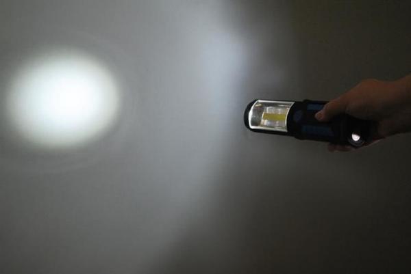Lanterna led de lucru pentru atelier 3W cu suport magnetic si carlig lampa 7