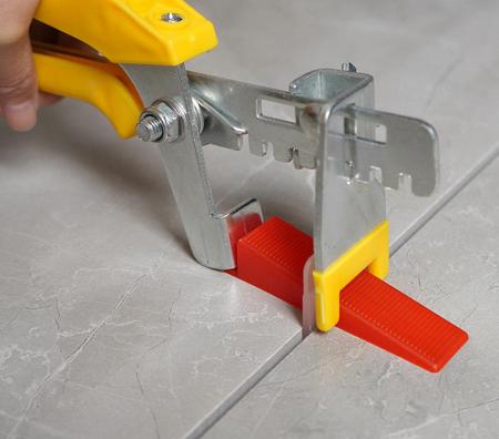 Cleste metal pentru sisteme nivelare [4]