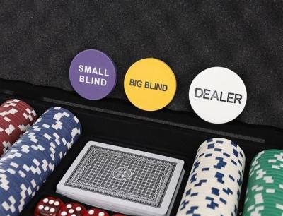 Set De Poker 300 Jetoane Servieta Aluminiu 5 Zaruri  2 Pachete Carti De Joc4