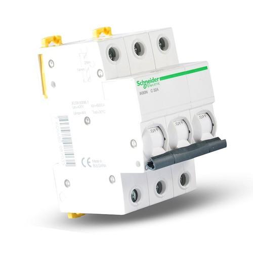 Intrerupator automat modular Schneider Electric iK60 A9K24332, 3P, 32A, curba C 0