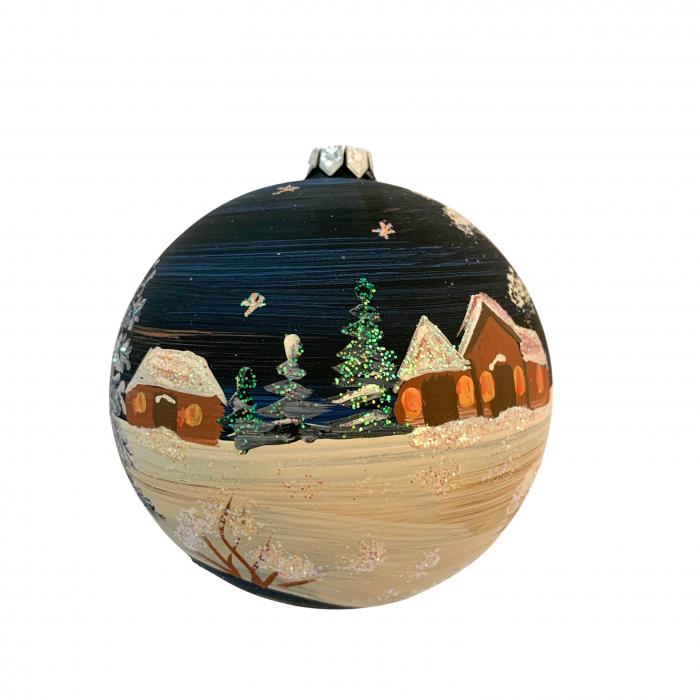 glob-din-sticla-suflata-si-pictata-manual-argcoms-fabrica-lui-mos-craciun-noaptea-la-cabana-multicolor-fond-negru-100-mm-sferic-6615-6617 2