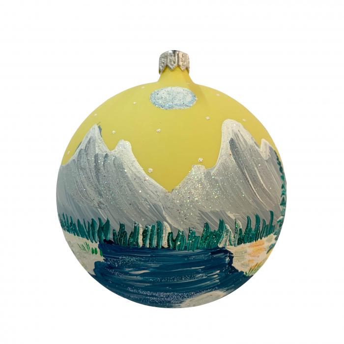 glob-din-sticla-suflata-si-pictata-manual-argcoms-fabrica-lui-mos-craciun-peisaj-montan-multicolor-fond-galben-100-mm-sferic-6623-6625 [1]
