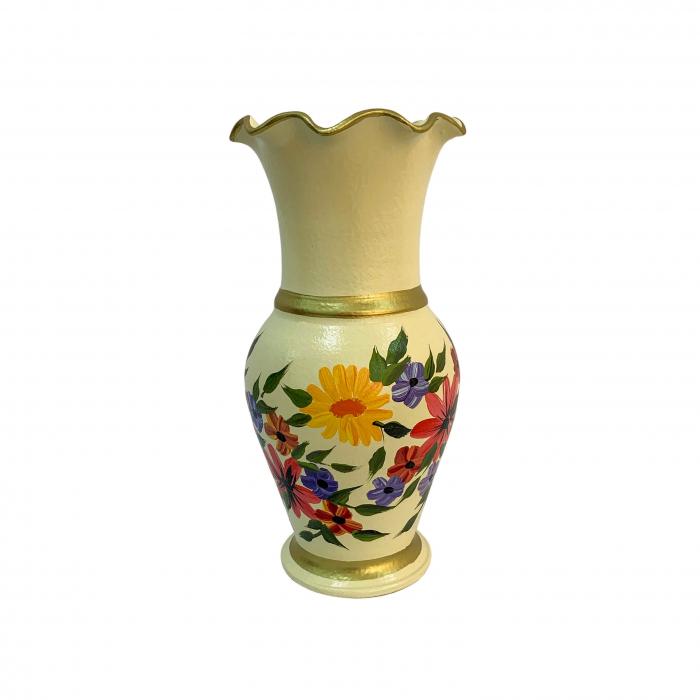 vaza-din-ceramica-de-arges-realizata-manual-argcoms-h30-silueta-cu-onduleuri-3-2-inele-pictura-florala-crem-6437-6448 0