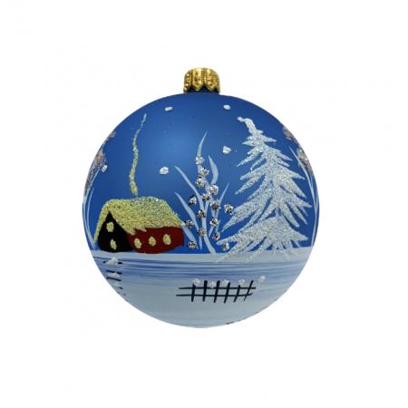 Glob din sticla suflata si pictata manual, Argcoms, Fabrica lui Mos Craciun, Peisaj de iarna, Multicolor, Fond albastru, 80 mm, Sferic0