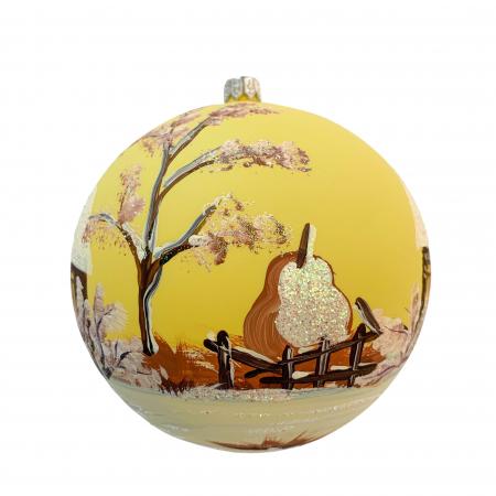 Glob din sticla suflata si pictata manual, Argcoms, Fabrica lui Mos Craciun, Cabana (2), Multicolor, Fond galben, 120 mm, Sferic2