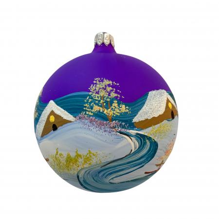 Glob din sticla suflata si pictata manual, Argcoms, Fabrica lui Mos Craciun, Iarna la tara, Multicolor, Fond mov, 100 mm, Sferic1