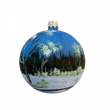 Glob din sticla suflata si pictata manual, Argcoms, Fabrica lui Mos Craciun, Peisaj de iarna in padure, Multicolor, 80 mm, Sferic1