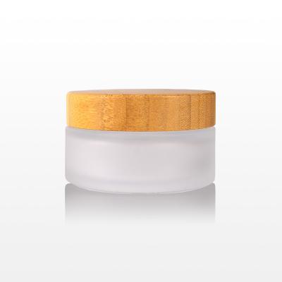 Borcan sticla mat cu capac bambus - 100g1