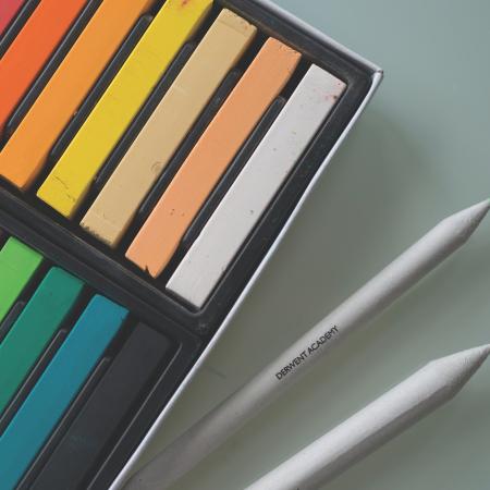 Creioane pastel soft, 12 buc/set Derwent Academy [1]