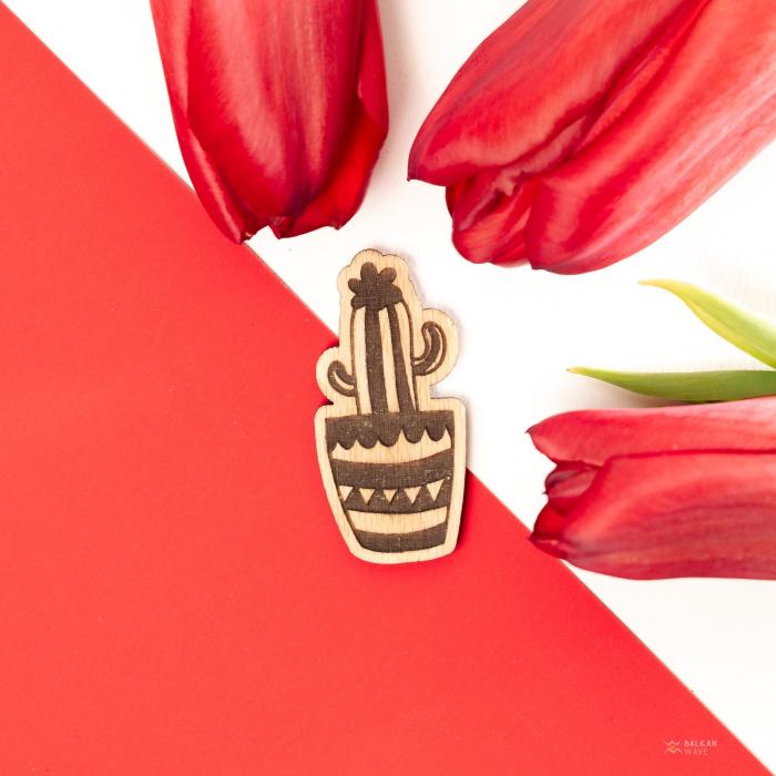 Martisor Cactus Inflorit din Lemn [2]