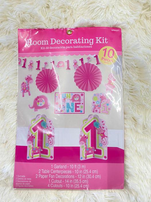 Kit decoratiuni carton camera 1 an fetita 10 buc 9
