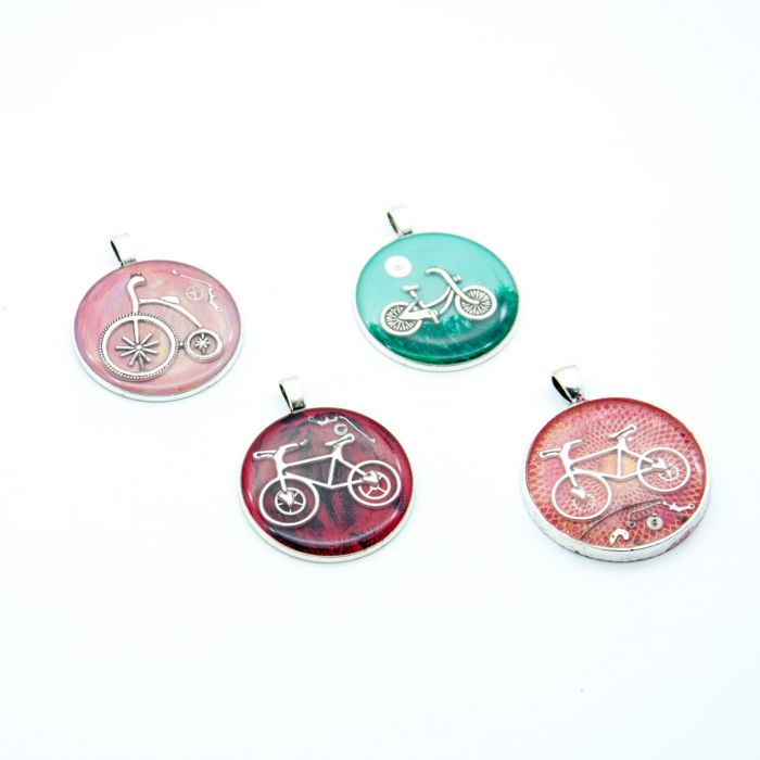 Pandantiv Rosu Bicicleta  2