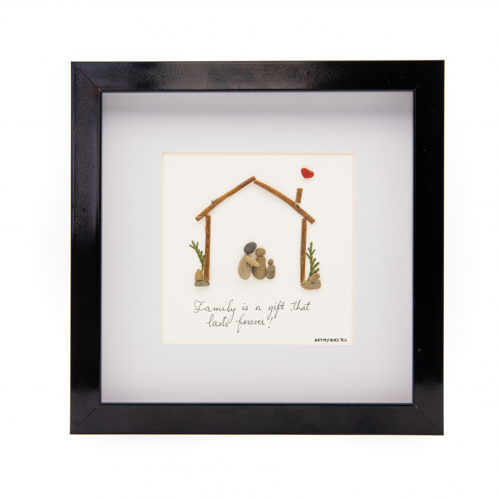 Tablou FAMILY FIRST - Colectia Pebble Art 0