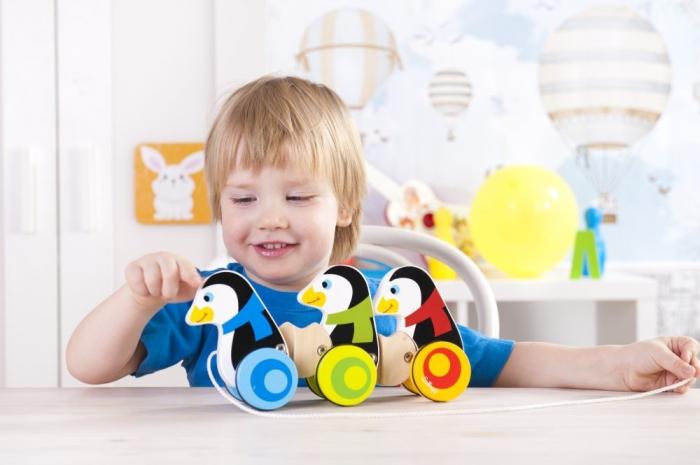 3 Pinguini din lemn cu roti si snur [2]