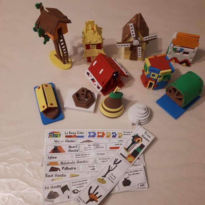 Cadou 8-14 ANI - Puzzle Harta lumii cu steaguri si capitale + Puzzle 3D Case 3