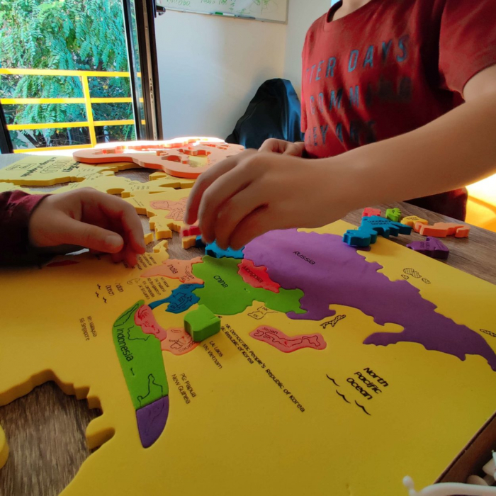 Puzzle educativ din spuma EVA - Harta Lumii - Imagimake 1