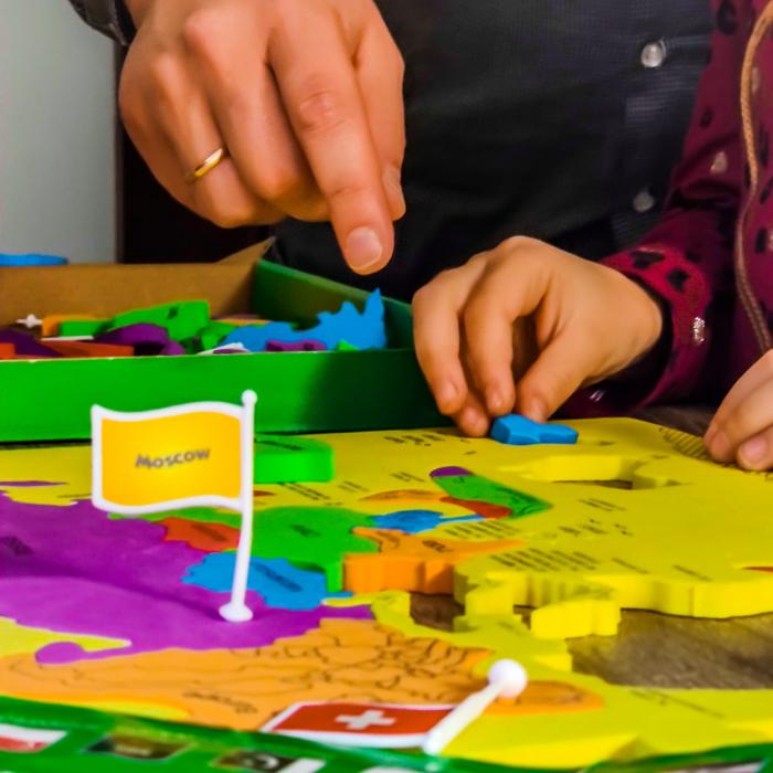 Puzzle educativ din spuma EVA - Harta lumii - steaguri si capitale - Imagimake 4