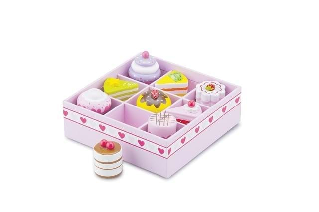 Set de 9 prajituri in cutie de cadou 0
