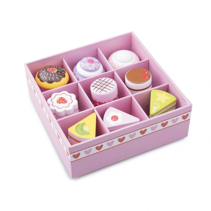 Set de 9 prajituri in cutie de cadou 2