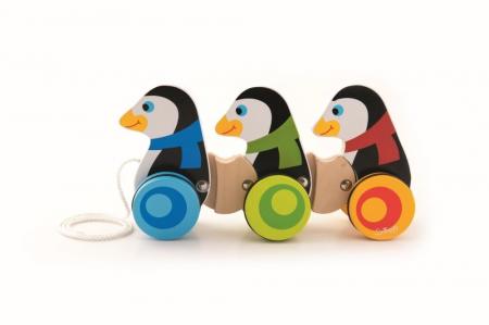 3 Pinguini din lemn cu roti si snur [0]