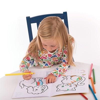 Carte de colorat cu activitati in limba engleza si abtibilduri ABC3