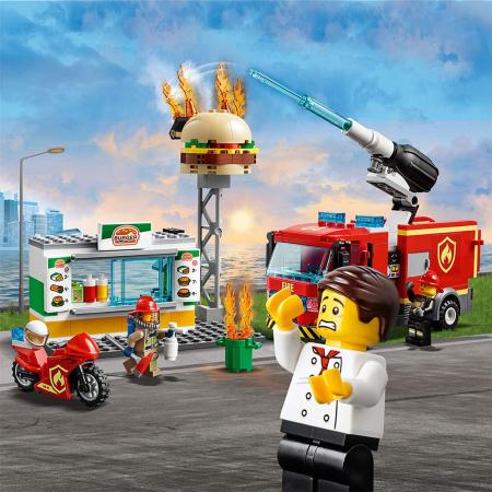 LEGO CITY STINGEREA INCENDIUL DE LA BURGER BAR 60214 [6]